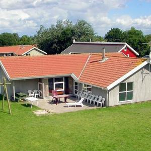Hotel Pictures: Five-Bedroom Holiday home in Nordborg 2, Nordborg