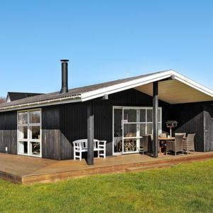 Hotel Pictures: Two-Bedroom Holiday home in Svendborg 4, Thurø By