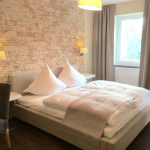 Hotel Pictures: Hotel Achilles, Kirkel
