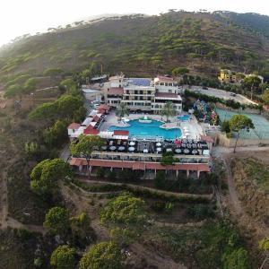 Fotos de l'hotel: Pineland Hotel and Health Resort, Ḩammānā