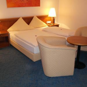 Hotel Pictures: Hotel Jahnhaus, Langenfeld