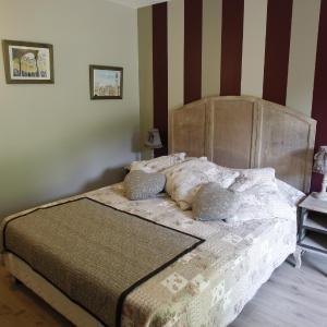 Hotel Pictures: Apartment Bonheur & Bohème, Écully