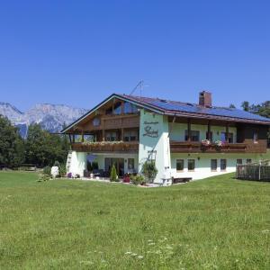 Hotel Pictures: Ferienwohnungen Gästehaus Lärcheck, Berchtesgaden
