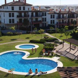 Hotel Pictures: Apartamento en Costa Esuri, Ayamonte