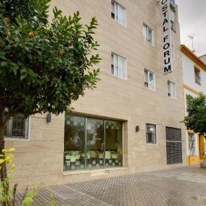 Hotel Pictures: Hostal Forum, Villa del Río