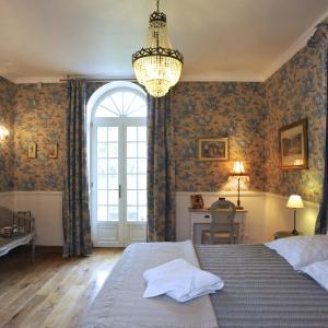 Hotel Pictures: L'Orangerie du Grand Jardin, Condé-sur-Seulles