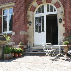 Hotel Pictures: Les Hortensias, Clermont
