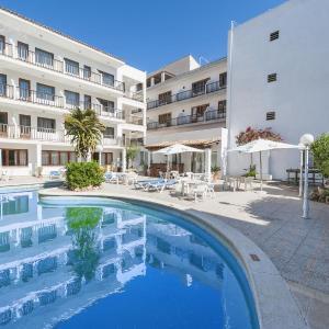 Hotel Pictures: Hostal Casa Bauza by Eurotels, Cala Ratjada