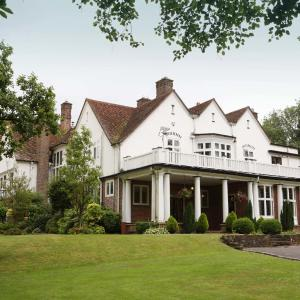 Hotel Pictures: Chartridge Lodge, Chesham