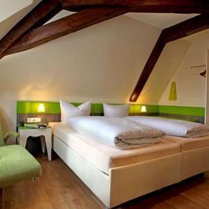 Hotelbilleder: Goldener Adler, Sulzheim