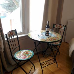 Hotel Pictures: Riverbend Guest House, Saskatoon