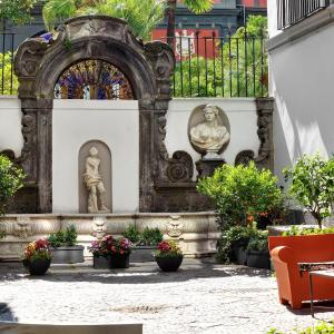 Hotel Pictures: Hotel Piazza Bellini, Naples