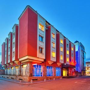 Hotellikuvia: Hotel Palas, Kazanlŭk