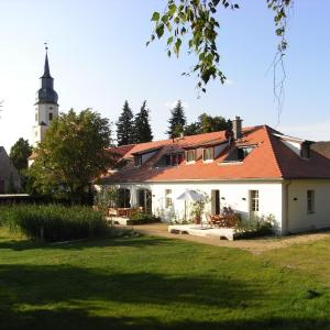 Hotel Pictures: Apartmenthotel Garni 'Gärtnerhaus Schloss Reinharz', Bad Schmiedeberg