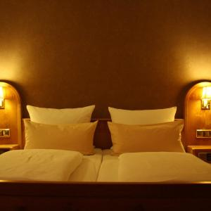 Hotel Pictures: Gasthof Neun Linden, Vogtsburg