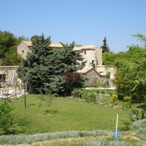 Hotel Pictures: Domaine De La Grange Neuve, La Roque-sur-Pernes