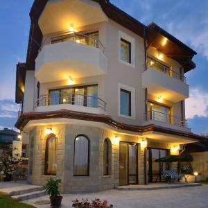 Hotellikuvia: Guest House Hubava Kushta, Hisarya