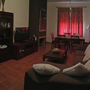 Hotel Pictures: Apartamentos Sevilla Deluxe Rosales, Los Rosales