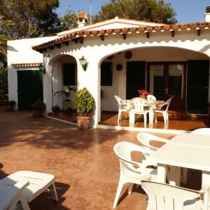 Hotel Pictures: Villa Ponderosa, Cala Blanca