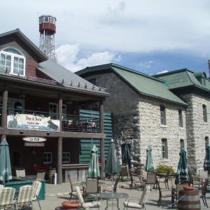 Hotel Pictures: Château Logue Hotel, Golf & Resort, Maniwaki