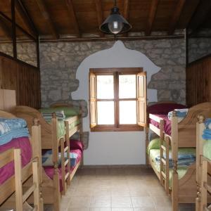 Hotel Pictures: Posada del Perchel, Pontones