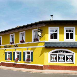 Hotel Pictures: Landhotel Schwarzer Adler, Sülzetal