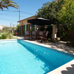 Hotel Pictures: Holiday Home Villa Leo, Sa Ràpita