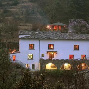 Hotel Pictures: Le Mas Des Pots Rouges, Cros
