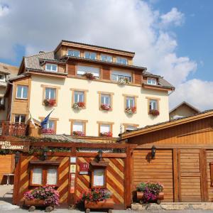 Hotel Pictures: Hôtel Les Autanes, Ancelle