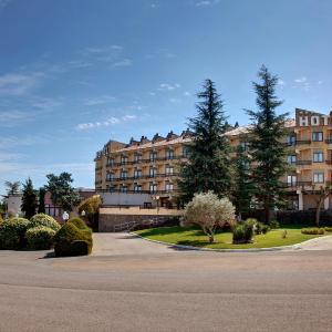 Фотографии отеля: Hotel Rey Sancho Ramírez, Барбастро
