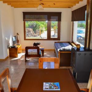 Hotel Pictures: Cabañas Ruta 63, Villa Meliquina