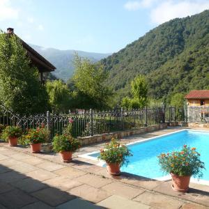 Hotel Pictures: Posada El Hoyal, Pesaguero-La Parte