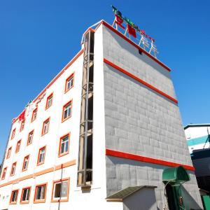 酒店图片: Traum Hotel & Condo, 加平
