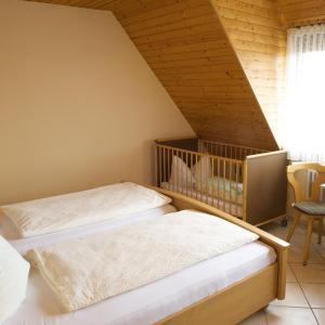Hotel Pictures: Gasthof zum Kreuz, Neuenburg am Rhein