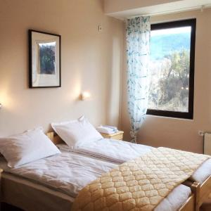 Hotel Pictures: Hotel Hinovi Hvoyna, Hvoyna