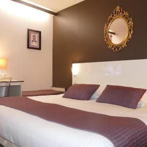 Hotel Pictures: Hôtel du Grand Cerf, Douai