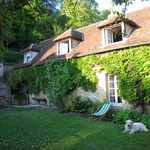 Hotel Pictures: Ravissante Maison au coeur du Vexin Normand, Écos