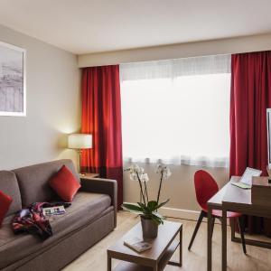 Hotel Pictures: Aparthotel Adagio Geneve Saint Genis Pouilly, Thoiry