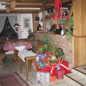 Hotel Pictures: Hotel-Restaurant-Pfaelzer-Stuben, Bruchmühlbach-Miesau