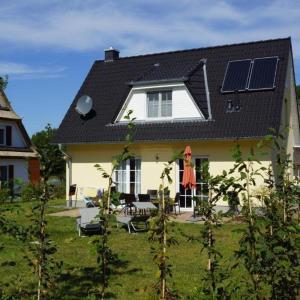 Hotel Pictures: Ferienhaus Fischerhus, Glowe