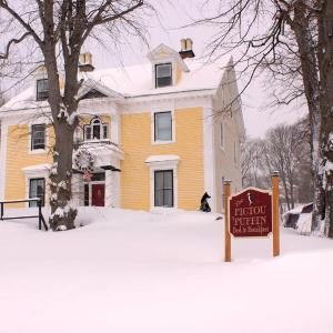 Hotel Pictures: The Pictou Puffin Bed and Breakfast, Pictou