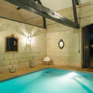 Hotel Pictures: La Folie Saint Julien, Saint-Julien-de-Chédon