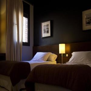 Hotel Pictures: Hostal Badaloní, Badalona