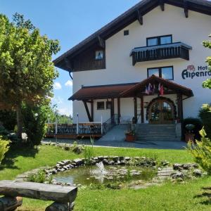 Hotel Pictures: Akzent Hotel Alpenrose, Nesselwang