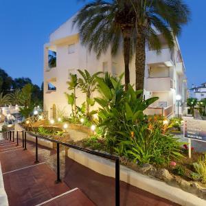 Hotel Pictures: Crown Resorts Club Marbella, La Cala de Mijas