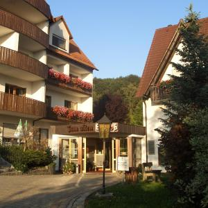 Hotelbilleder: Landidyll Hotel Zum Alten Schloss, Kirchensittenbach