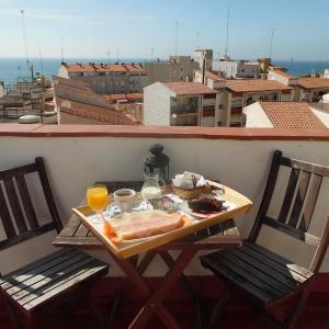 Hotel Pictures: Hostal La Lluna, Arenys de Mar