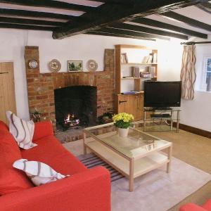 Hotel Pictures: Bere Cottage, Littlebourne