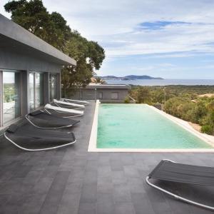 Hotel Pictures: Villa by signoria, Lumio