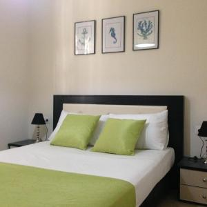 Foto Hotel: White Jasmine Apartment, Sarandë